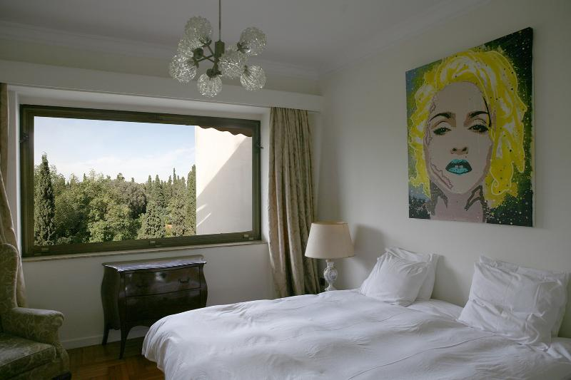 Main bedroom - Stunning apt with large balcony & great views - Athens - rentals