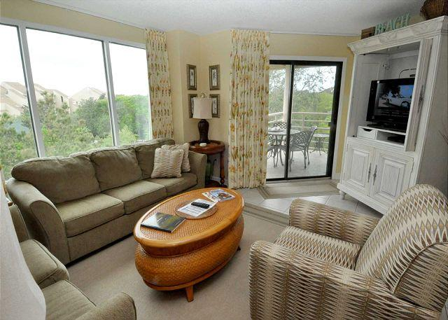Living Area w/ Flat Panel TV - 3528 Villamare - Oceanview 2 bedrooms 5th Floor Villa. - Hilton Head - rentals