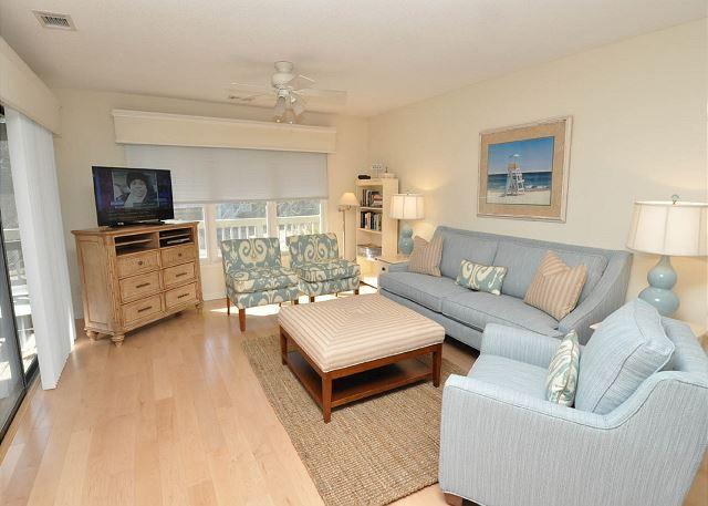 Main Living Area - 12 Beachside-Pretty 3 Bedroom Beach Home in South Beach Marina Area. Sleeps6 - Hilton Head - rentals