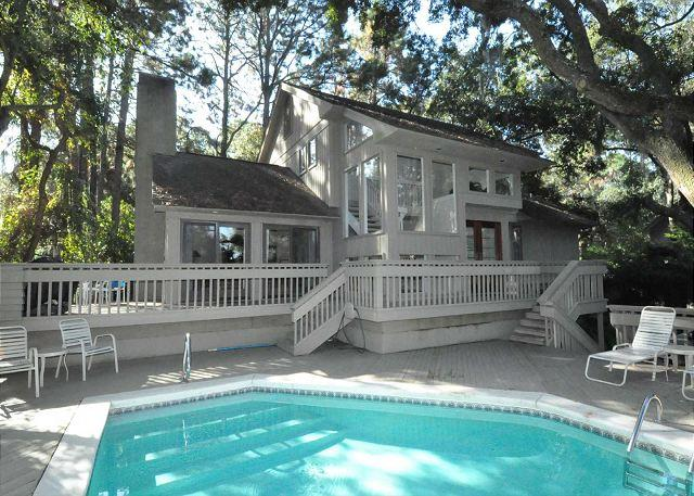 Exterior - 9 Bald Eagle West- 5 minute walk to the beach and Fully Renovated - Hilton Head - rentals