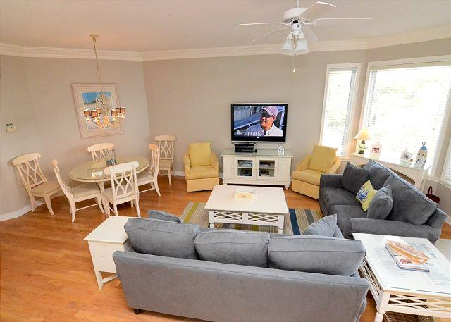 Main Living w/ Flat Panel TV - 2415 SeaCrest-WOW Views! Very pretty & Sunny.  Available 6/13 & 7/4 weeks - Hilton Head - rentals