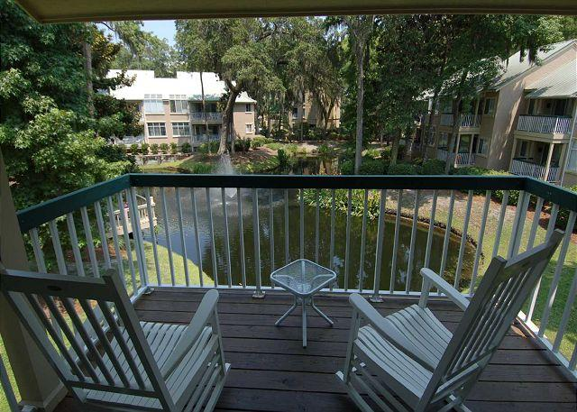 Patio area - 709 Barrington Pk- Lagoon/Fountain View & 50 yards to the ocean. - Hilton Head - rentals