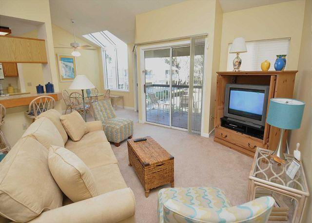 Main Living Area - 712 Barrington Park - 1 Bedroom Lagoon view villa - Sleeps 4 - Hilton Head - rentals
