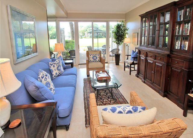 Main Living Area w/ Flat Panel TV - 189 Twin Oaks - Beautiful 2 Bedroom Townhouse on the Harbour Town Golf Course - Hilton Head - rentals