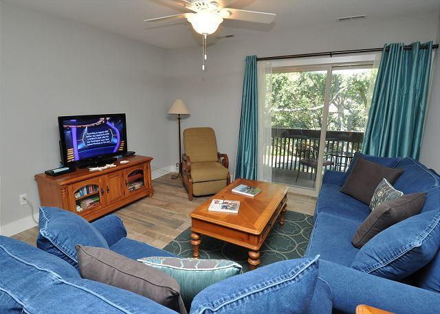 Living Area - 1691 Bluff Villa-Fully Renovated, $125 OFF Week of 6/20-6/27 - Hilton Head - rentals