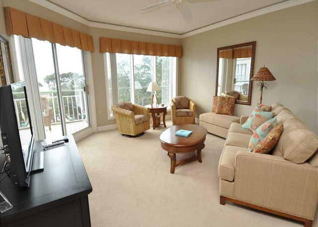 Main Living Area - 503 Windsor Place-Oceanfront & FULLY renovated. 7/11-18 week Available - Hilton Head - rentals