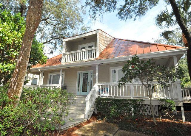 Exterior - 15 Avocet Street- Pool/Spa, Quick Walk to Beach & Coligny Plaza - Hilton Head - rentals