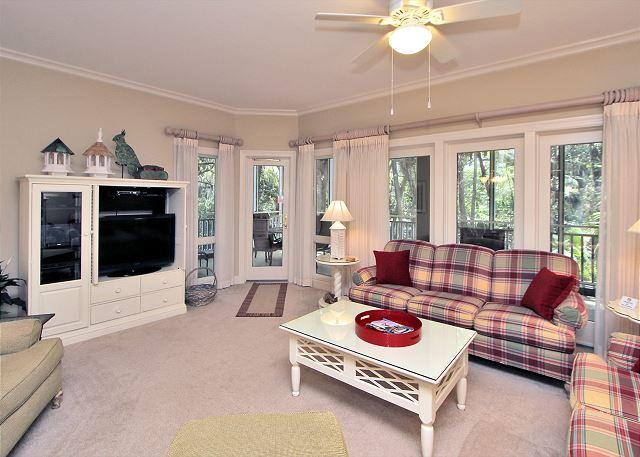 Main Living Area - 8109 Wendover Dunes-100 yards to the beach Book Now for the August. - Hilton Head - rentals