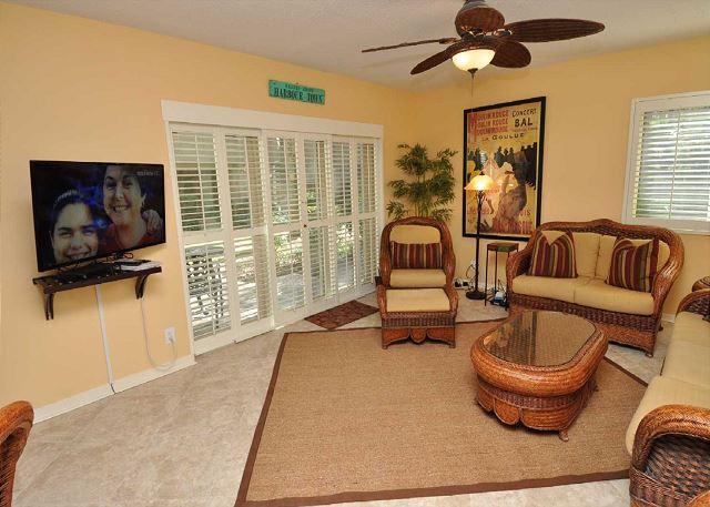 Main Living Area w/ Flat Panel TV - 516 Plantation Club-Fully renovated,1st floor Villa. Quick Walk to the Beach. - South Carolina Island Area - rentals