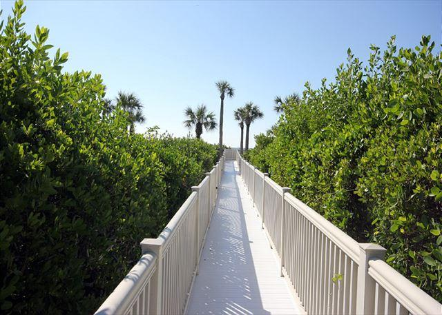 Path to Beach - Gulf view Sandpiper Beach condo - Sanibel Island - rentals