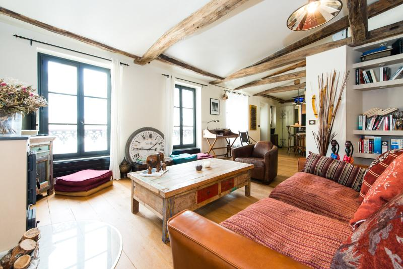 Apart for 2 in the hearth of the Marais by Weekome - Image 1 - Paris - rentals