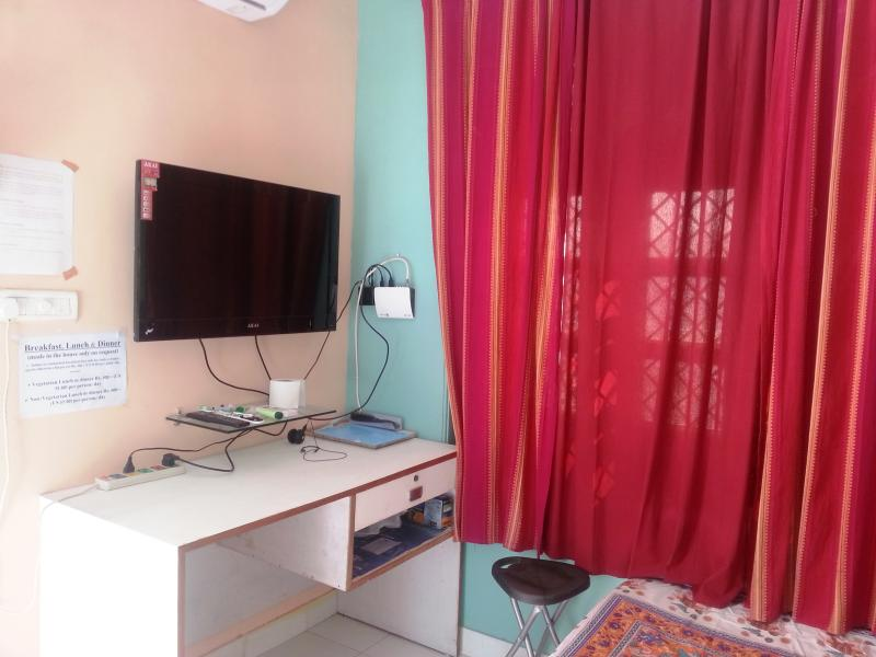 "Bed Room - Deluxe Room ""Serviced Apartment ORS2"" in Lucknow, - Lucknow - rentals"