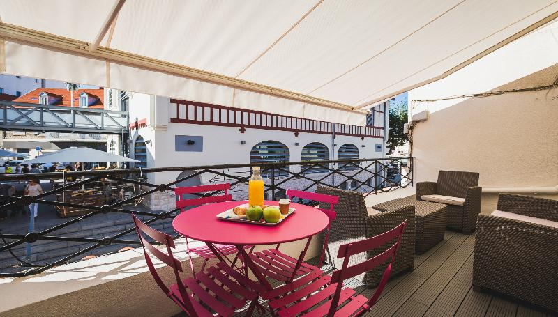 Your private, sunny terrasse overlooking the market of Biarritz - Modern apartment with terrace overlooking market - Biarritz - rentals