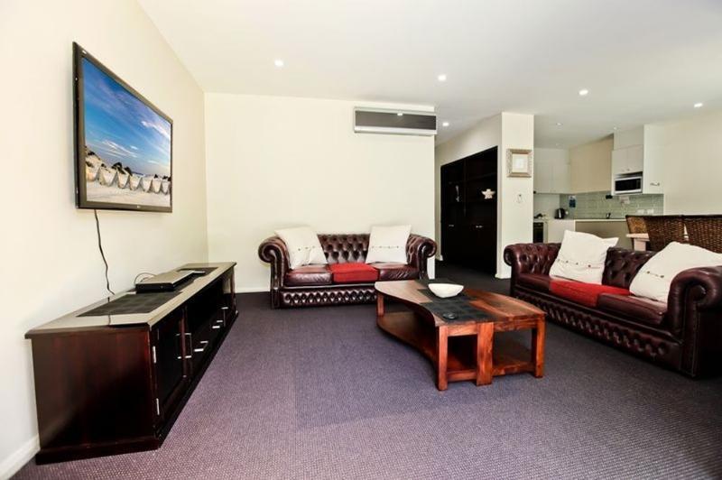 Lounge - Pacific Blue Resort 507 - Salamander Bay - rentals
