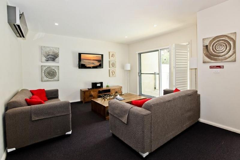 Lounge - Pacific Blue Resort 513 - Salamander Bay - rentals