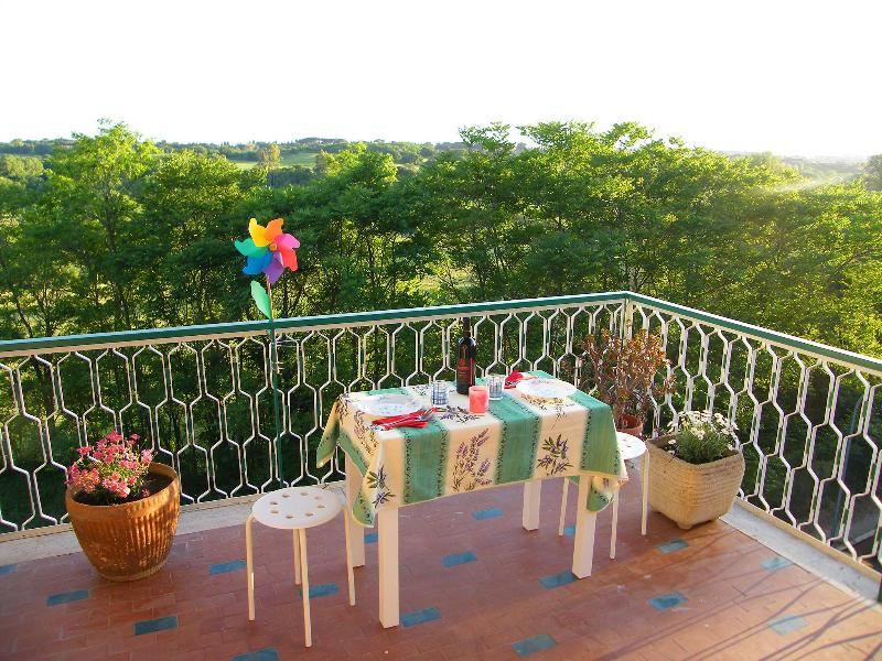 The big terrace overlooking Caffarella Park - Rome in Green Apartment - FREE PRIVATE PARKING - Rome - rentals