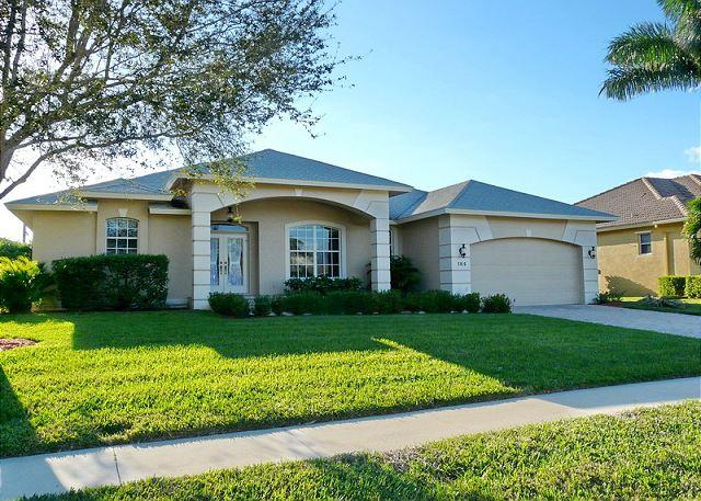 Cozy family retreat with heated pool and short walk to incredible park - Image 1 - Marco Island - rentals