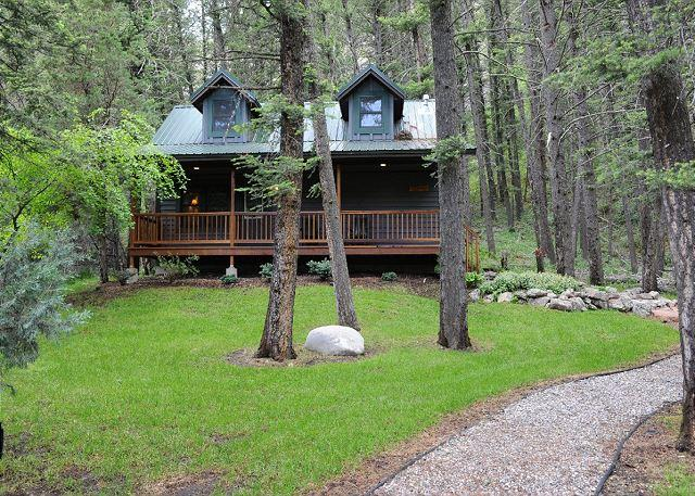 Big River Lodge - Madison Cabin - Image 1 - Gallatin Gateway - rentals