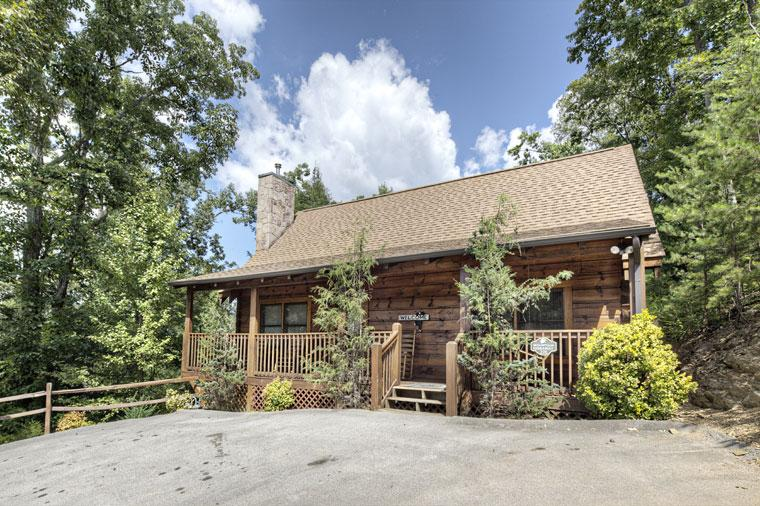 ER220 - MOUNTAIN HIDEAWAY - Image 1 - Pigeon Forge - rentals
