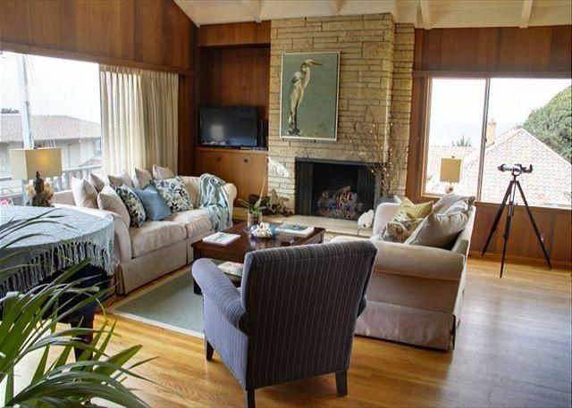 3372 Ocean View Sanctuary ~ Panoramic Ocean Views, Plush Beds & Luxury Linens - Image 1 - Pacific Grove - rentals