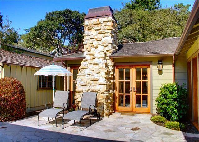 3477 Carmelot ~ Luxurious, Gourmet Kitchen, 3 Fireplaces, Walk to Town - Image 1 - Carmel-by-the-Sea - rentals