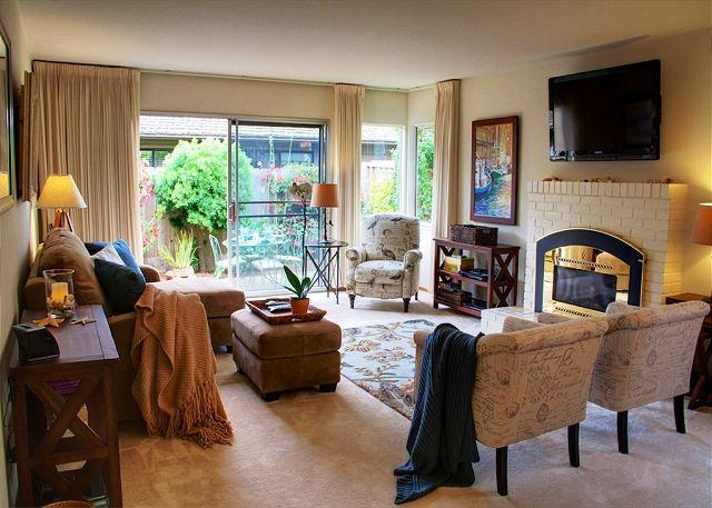 3509 Seabreeze ~ Spring Special, Walk to the Beach, Artist's Home, Blush Beds - Image 1 - Pacific Grove - rentals