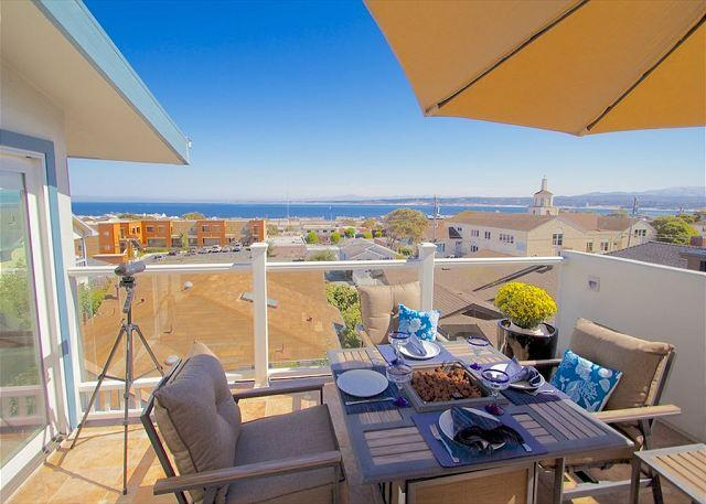 3614 Monterey Penthouse ~ Romantic City Lights, Ocean Views, Sunrises - Image 1 - Monterey - rentals
