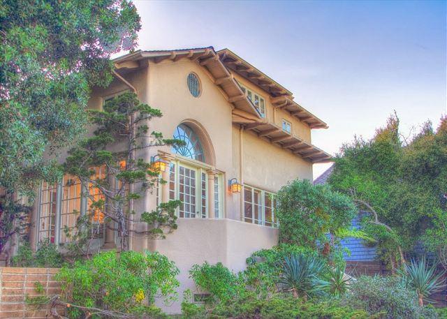 3618 Villa Escondido ~ Luxurious, Ocean Views, Just Steps to the Seashore - Image 1 - Monterey - rentals