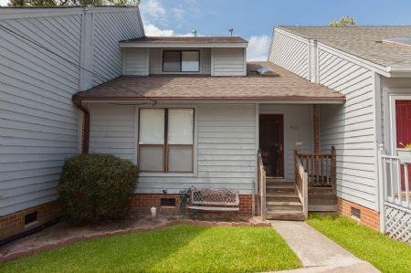 Exterior - 2703 Holly Road - Virginia Beach - rentals