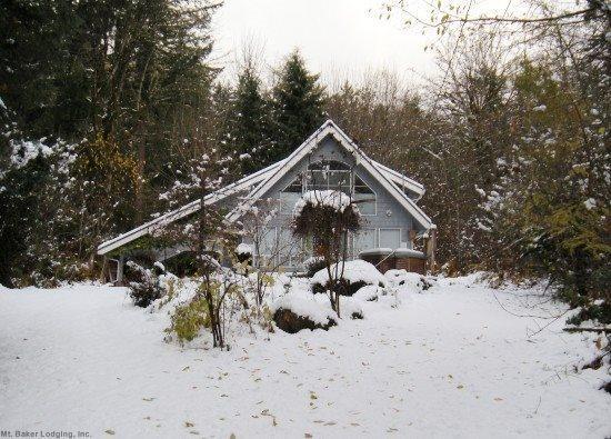 The front of Cabin 39 - Glacier Springs Cabin #39 - A great contemporary cabin! - Glacier - rentals