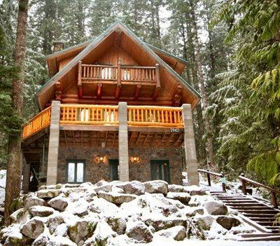 Front of cabin 47 - Snowline Cabin #47 - A rustic vacation home with modern charm with a Private outdoor hot tub. - Glacier - rentals