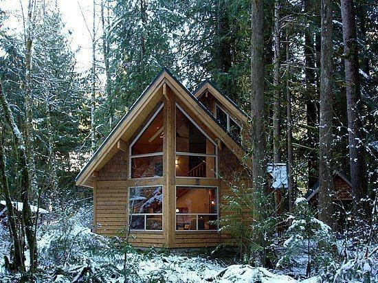 The front of Cabin 4 - Snowline Cabin #4 - A pet friendly cedar cabin with a hot tub! - Glacier - rentals