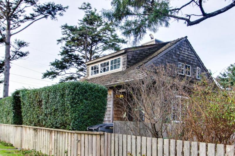 Historic Haystack Cabin - Image 1 - Cannon Beach - rentals