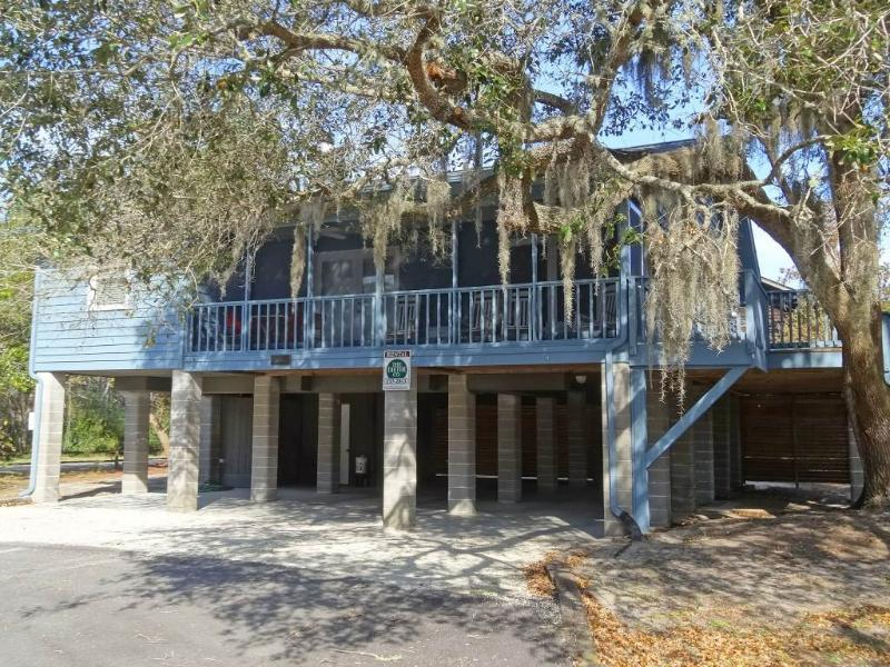 Lucky 13 - Pet Friendly - Image 1 - Pawleys Island - rentals