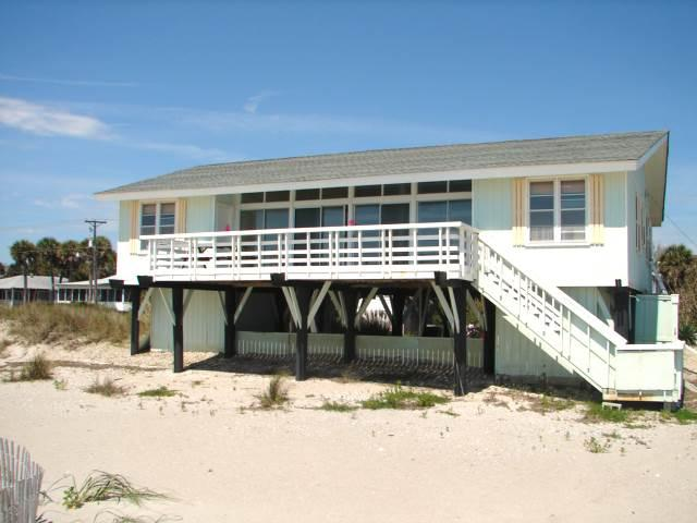 "414 Palmetto Blvd  - ""Lucky Enough"" - Image 1 - Edisto Beach - rentals"