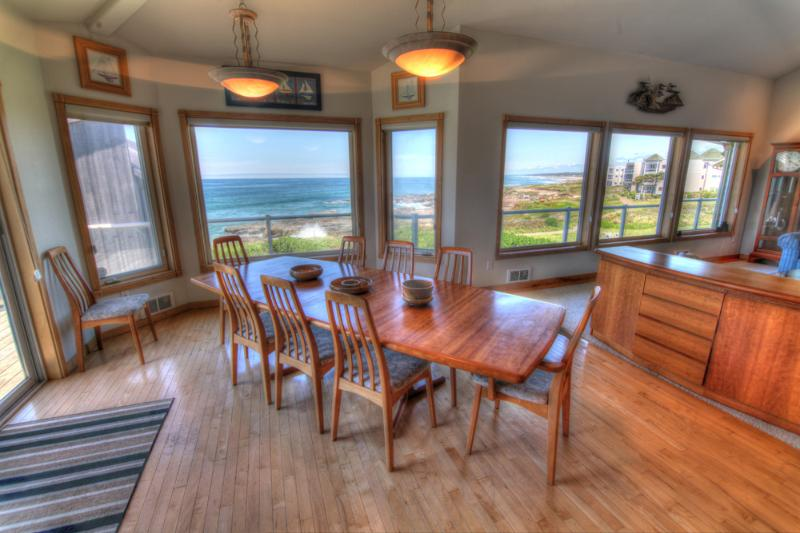Ocean Front Luxury Home with Hot Tub! - Image 1 - Yachats - rentals