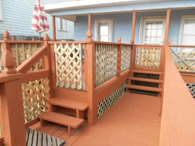 Private walkway to the beach right off the spacious back deck! - Surf s Edge 115389 - Carolina Beach - rentals