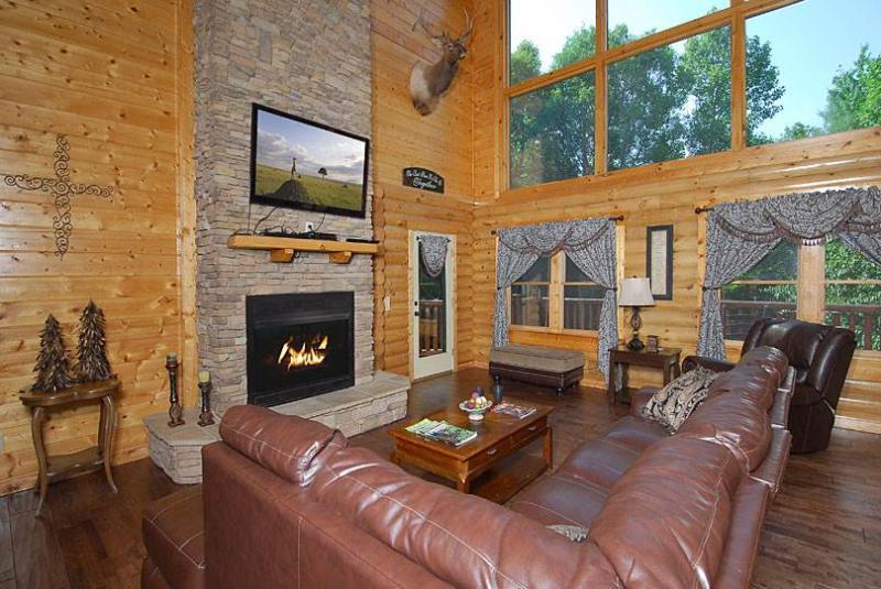 Elk Horn Lodge - Image 1 - Gatlinburg - rentals