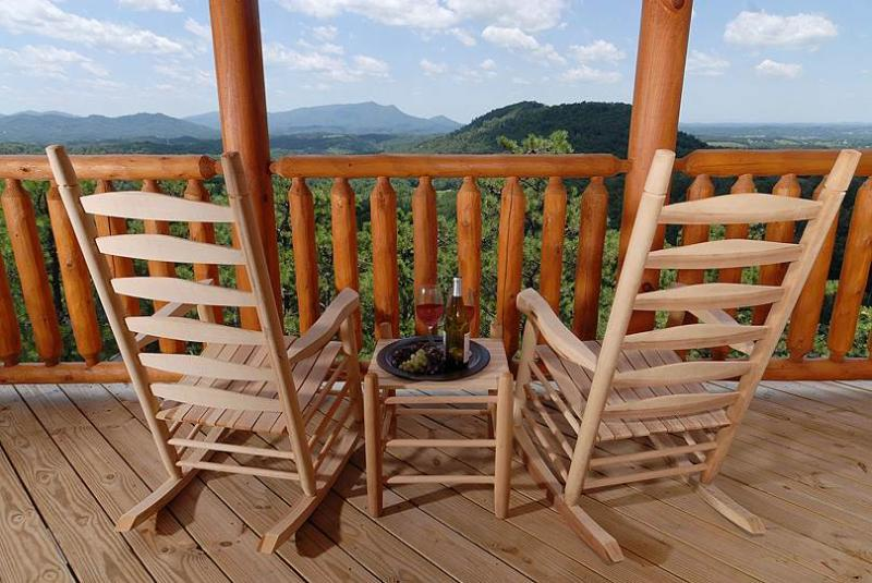 High On The View - Image 1 - Sevierville - rentals