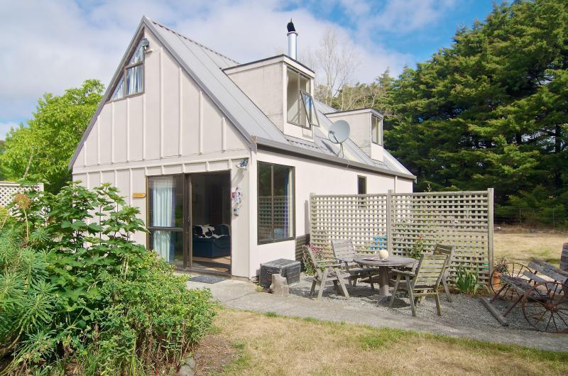 Pinot Lodge - Christchurch Holiday Homes - Image 1 - Christchurch - rentals