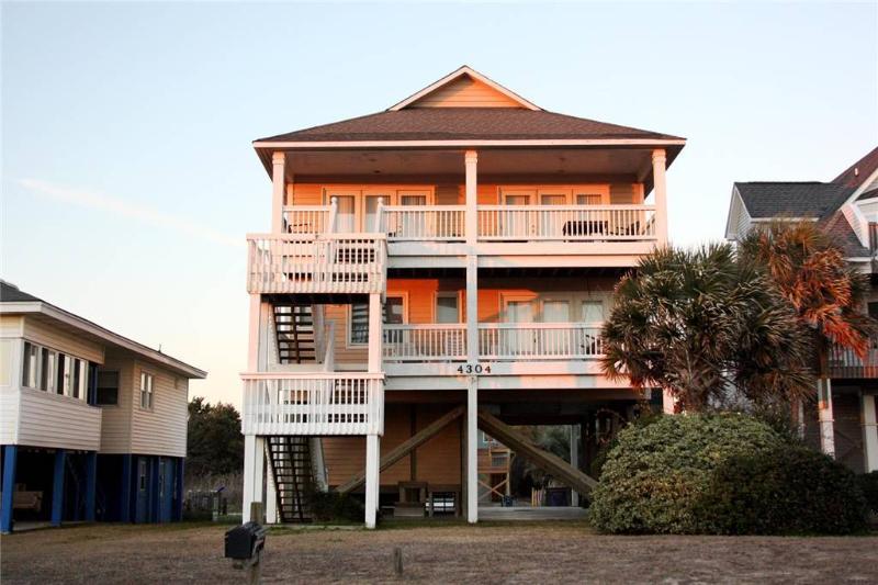 Alzan Adventure 4304 E Beach Drive - Image 1 - Oak Island - rentals