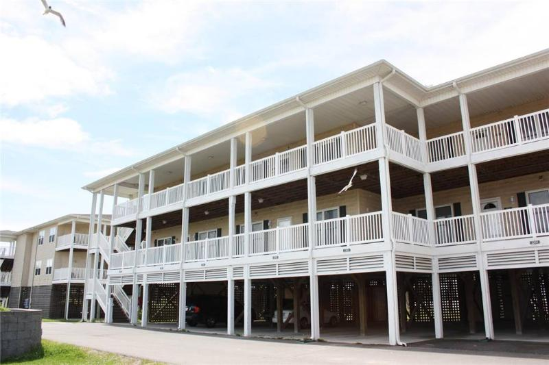 A Reel Respite #2102 120 SE 58th Street - Image 1 - Oak Island - rentals