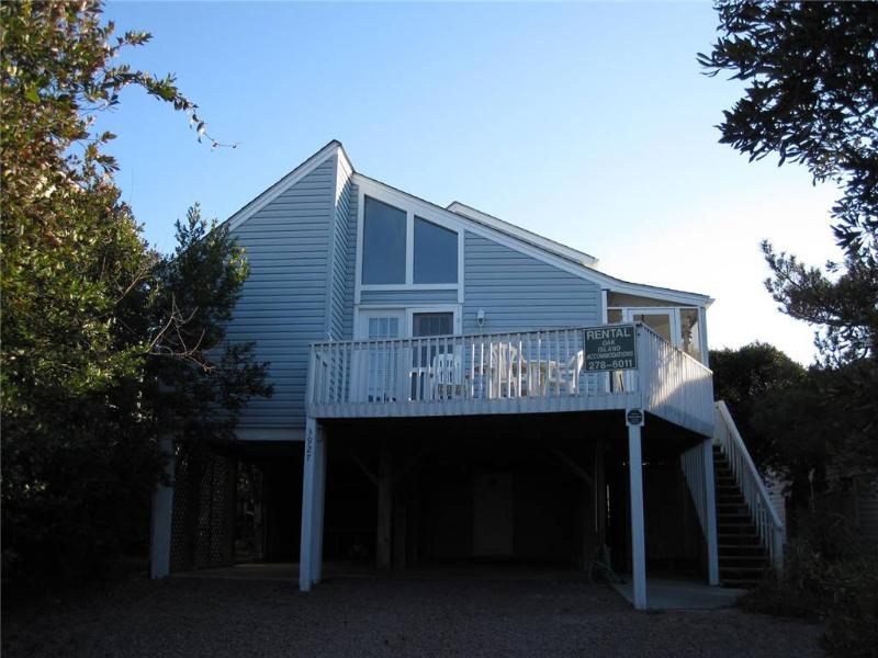 Blue Dolphin 3927 West Dolphin Drive - Image 1 - Oak Island - rentals