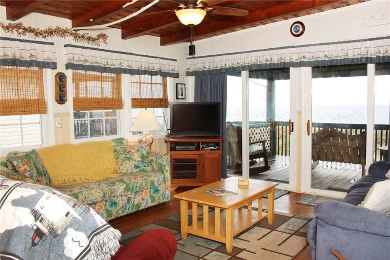 Di's Dream 319 East Beach Drive - Image 1 - Oak Island - rentals