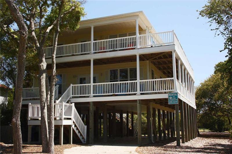 In The Oaks 118 SE 63rd Street - Image 1 - Oak Island - rentals