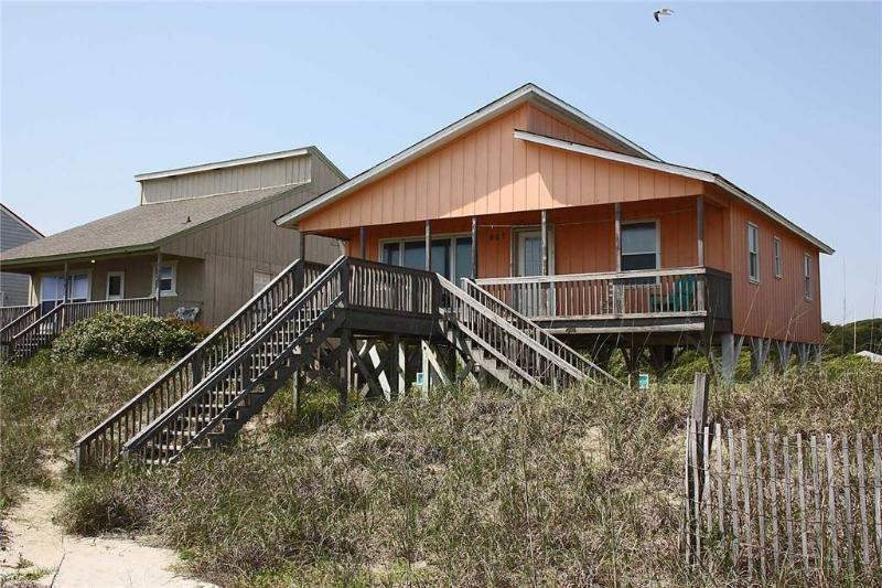 Island Sunsets 907 Ocean Drive - Image 1 - Oak Island - rentals