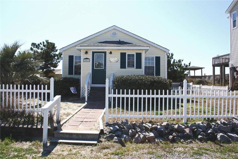 Ivy Cottage 2503 E. Beach Drive - Image 1 - Oak Island - rentals