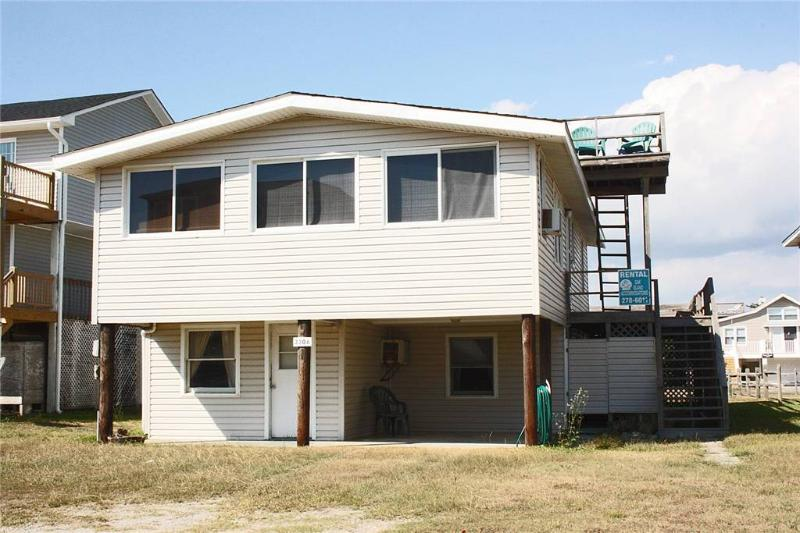 Johnny's Place 3306 West Beach Dr - Image 1 - Oak Island - rentals