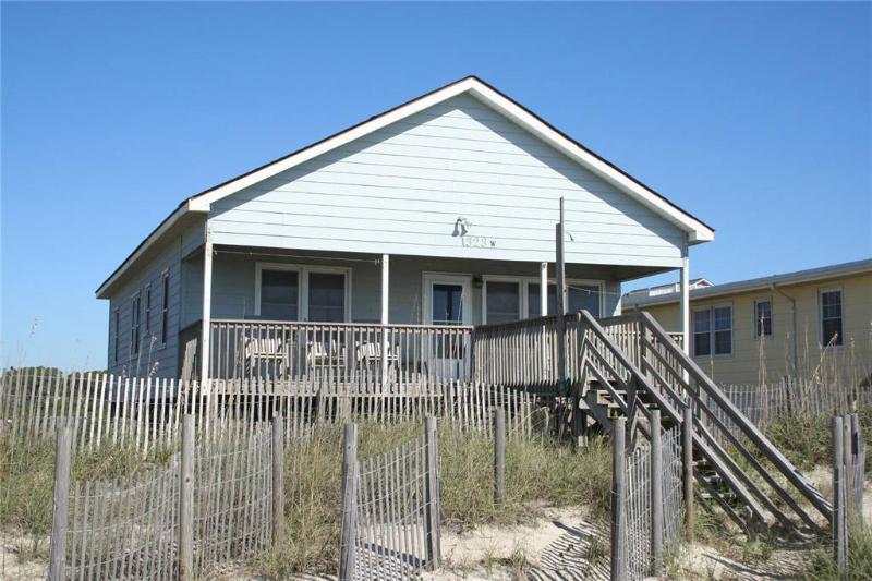 White Sails 1323 West Beach Drive - Image 1 - Oak Island - rentals