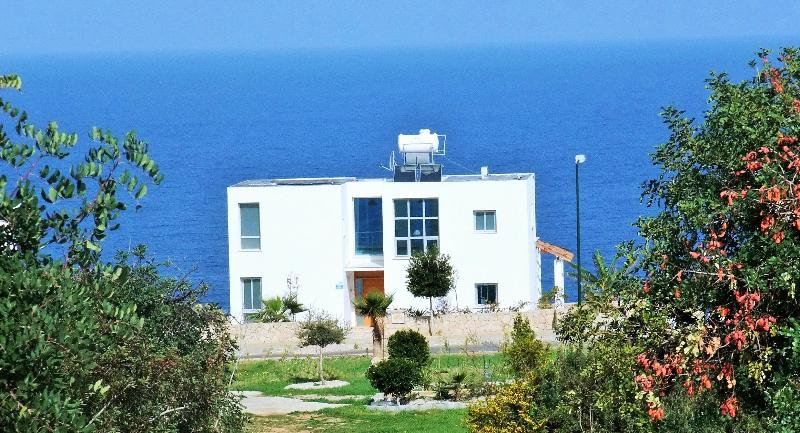 Stunning sea views - STUNNING Cliff top villa overlooking the sea - Kyrenia - rentals